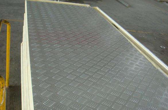 压花铝板保温板